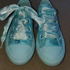 Converse Big Eyelets Sneakers Girl's size 12